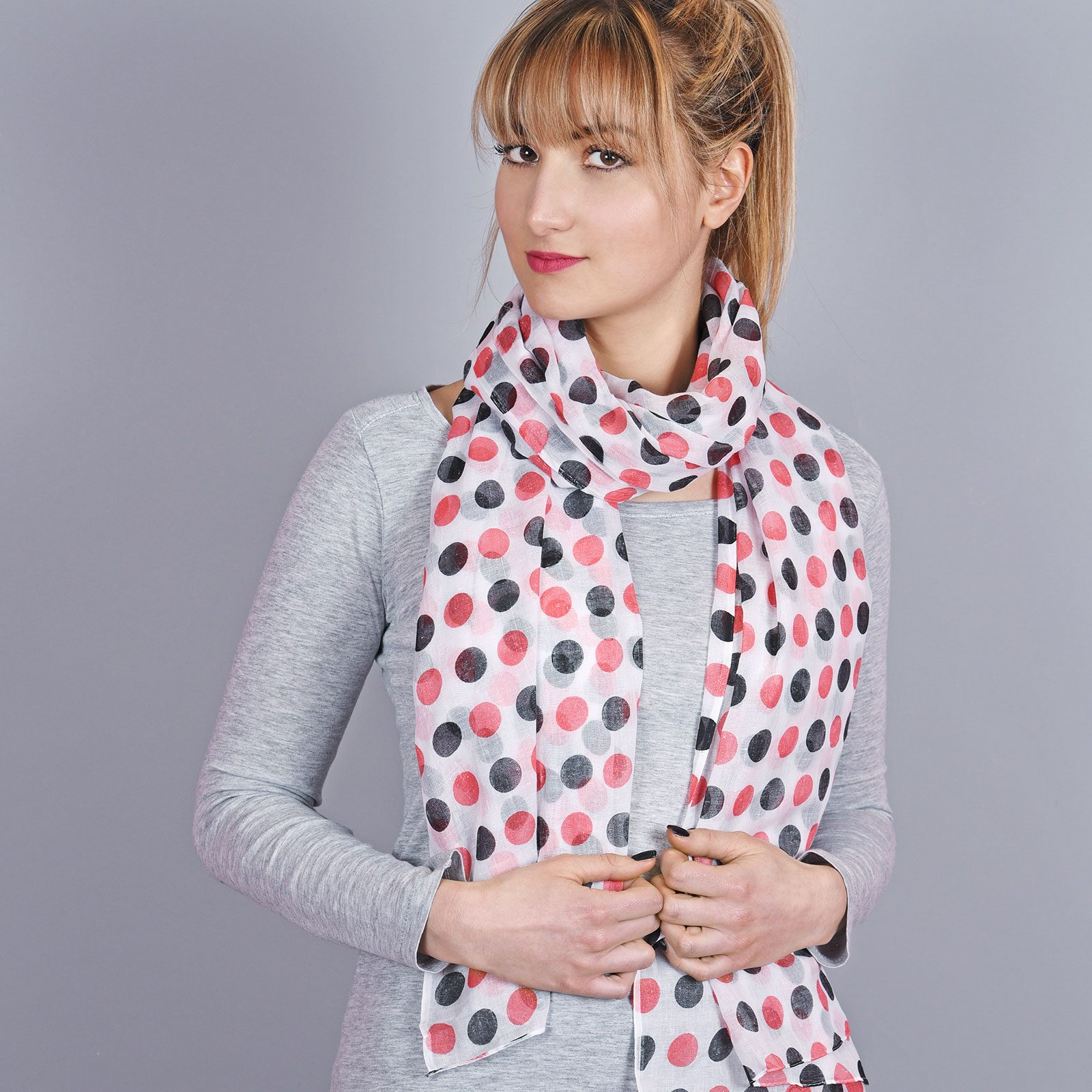 http://chantier.allee-du-foulard.fr/wp-content/uploads/2018/04/AT-04321-VF16-1-cheche-femme-pois-rose-1600x1600.jpg